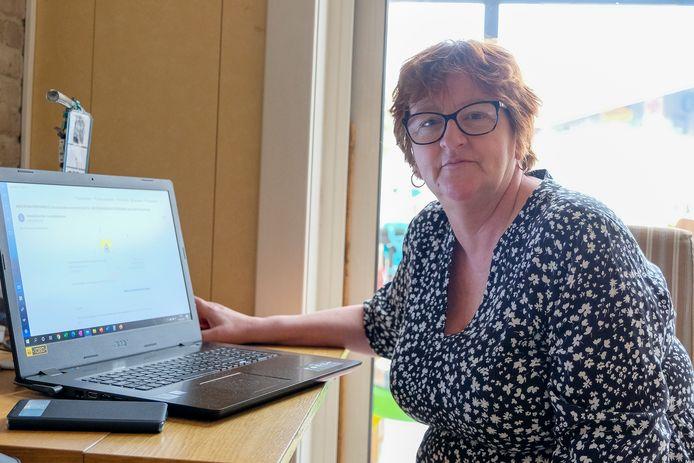 Annick Verkeyn uit Machelen kreeg donderdagavond een mail met een uitnodiging voor een prikje in het vaccinatiecentrum op de Heizelvlakte.
