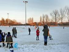Na vreselijk dubben is het schaatsseizoen in Zierikzee officieel geopend
