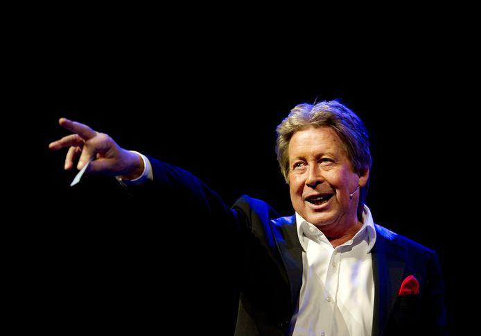 Hans Kazàn geeft een show op de Zwarte Cross.