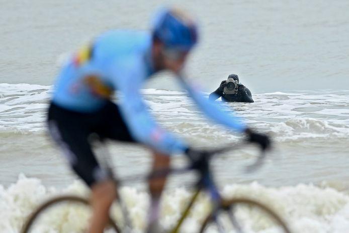 Opvallend: zelfs in de zee stond er iemand foto's te nemen.