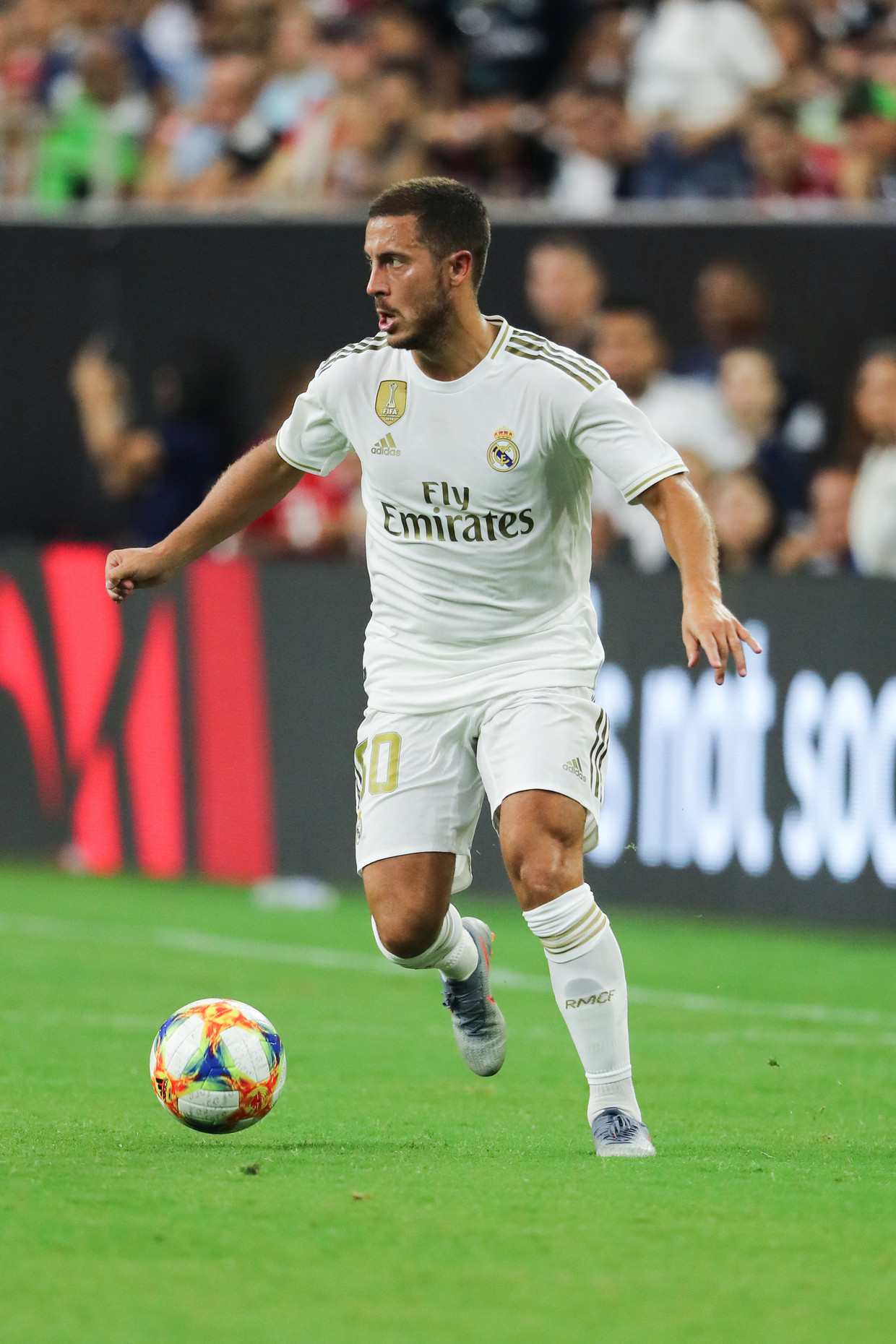 Eden Hazard kon de beslissing niet forceren, maar was wel regelmatig een gesel voor de Bayern-verdediger.