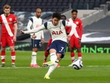 Son schiet Spurs met rake penalty naar zege na Super Flop en ontslag Mourinho