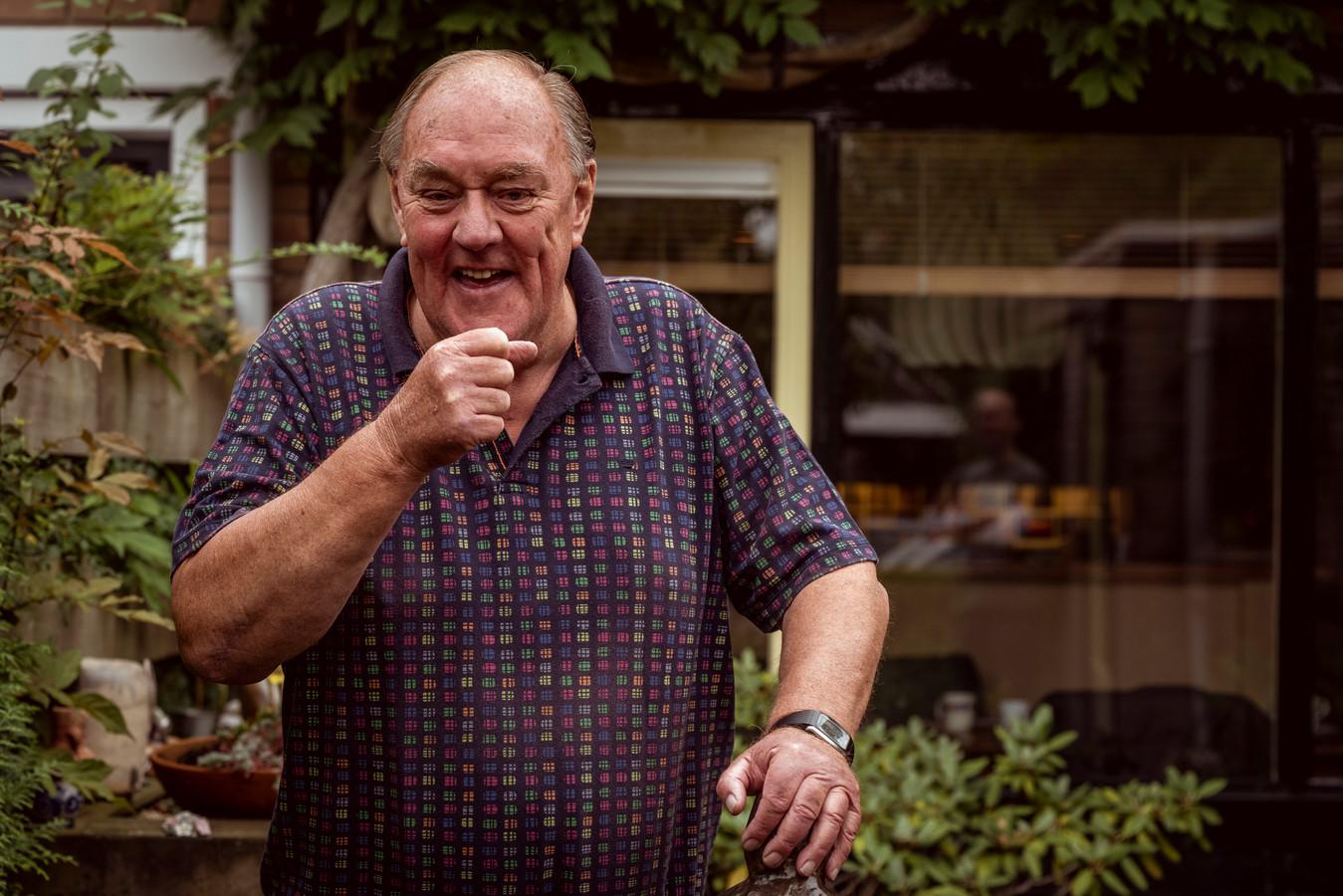"""Henk Borgmeijer heeft naar eigen zeggen op meer dan honderd plekken in Nederland met de microfoon gestaan. ,,Ik heb nooit mijzelf aangeboden, ben altijd gevraagd."""""""