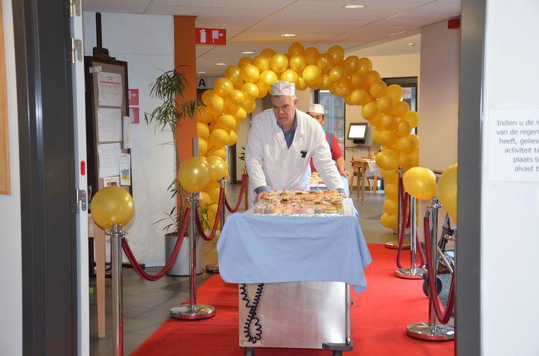 De feestelijke start van tien jaar Klateringen.