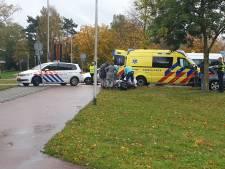Gewonde na botsing tussen scooter en auto in Hengelo