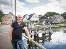 Arjan Otter moet huis langs kanaal in Geerdijk uit: 'Het ongedierte loopt zo naar binnen'
