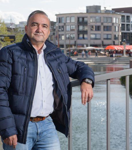 Alleenstaande Almeloër betaalt dit jaar minder belasting: 'Trekt ook niet zo vaak de wc door'