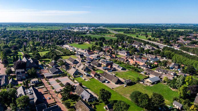 Het buitengebied van Staphorst  is sterk versnipperd, stelt de provincie. Ruilverkaveling moet de bedrijfsvoering van boeren optimaliseren en ruimte bieden voor nieuwe natuur en waterbergingen.