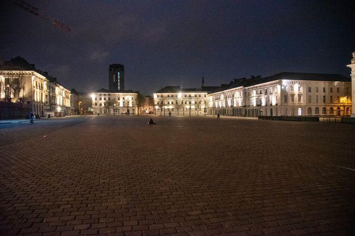 Het Sint-Pietersplein bleef nagenoeg leeg donderdagavond.