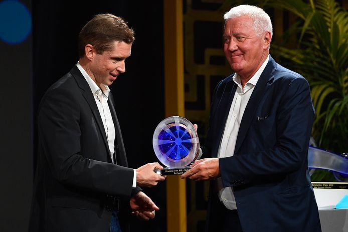 Stijn Devolder met Patrick Lefevere op het Gala van de Kristallen Fiets eind vorig jaar.