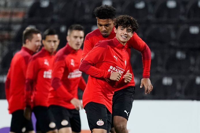 Richard Ledezma zit nog niet vast bij de A-selectie van PSV, maar komt wel steeds dichterbij een plekje in de ploeg.