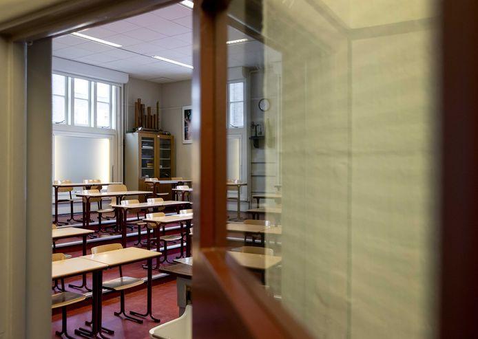 Het merendeel van het onderwijspersoneel wil dat de lockdown langer duurt.