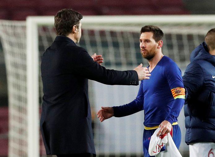 Mauricio Pochettino is maar wat blij met de komst van Lionel Messi bij PSG.