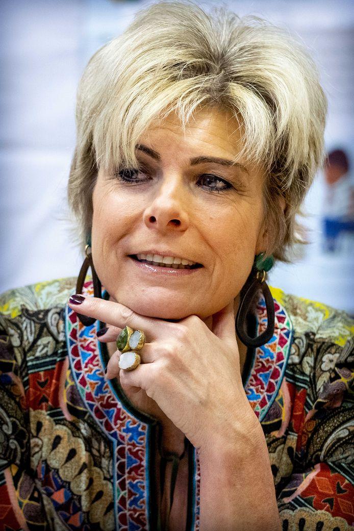 2019-01-23 09:05:15 AMSTERDAM - Prinses Laurentien leest voor aan leerlingen van openbare basisschool Corantijn tijdens het Nationale Voorleesontbijt. ANP ROYAL IMAGES PATRICK VAN KATWIJK