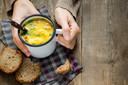 Een kop warme soep valt vaak wel goed.