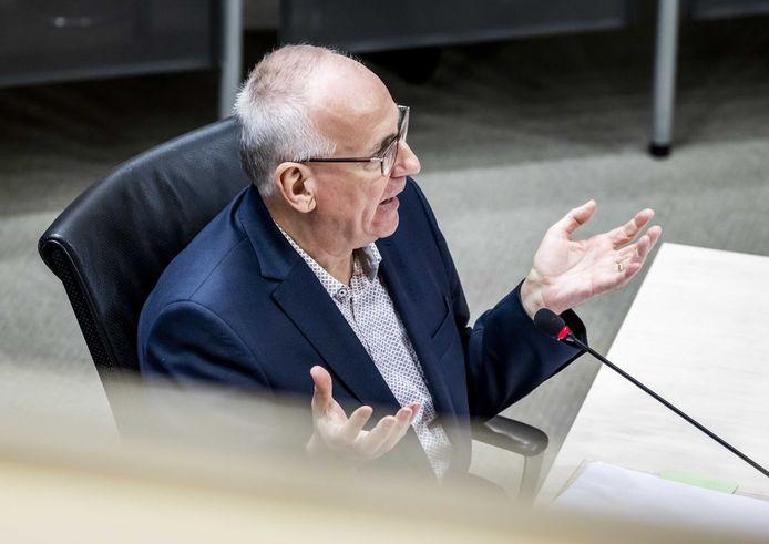 Peter Veld, voormalig directeur-generaal Belastingdienst (2010-2015), tijdens de derde dag van de hoorzittingen van de tijdelijke commissie die onderzoek doet naar problemen rond de fraudeaanpak bij de kinderopvangtoeslag.