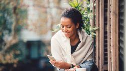 """""""Waarom je af en toe een dating-detox moet inlassen"""". Relatie-experte Esther Perel legt uit"""