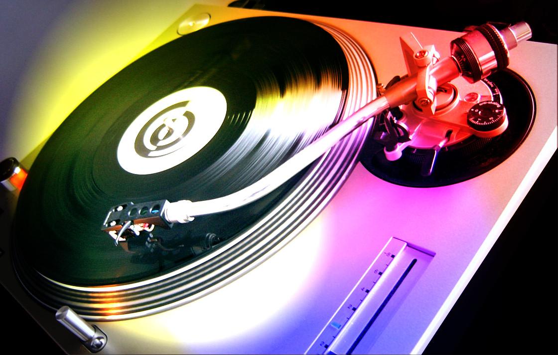 dj muziek uitgaan stock
