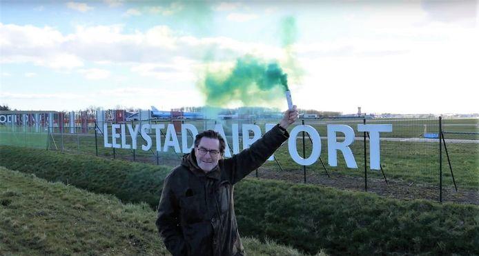 Robert Tieskens, voorzitter van de Stichting Red de Veluwe, blijft strijden tegen de opening van Lelystad Airport.