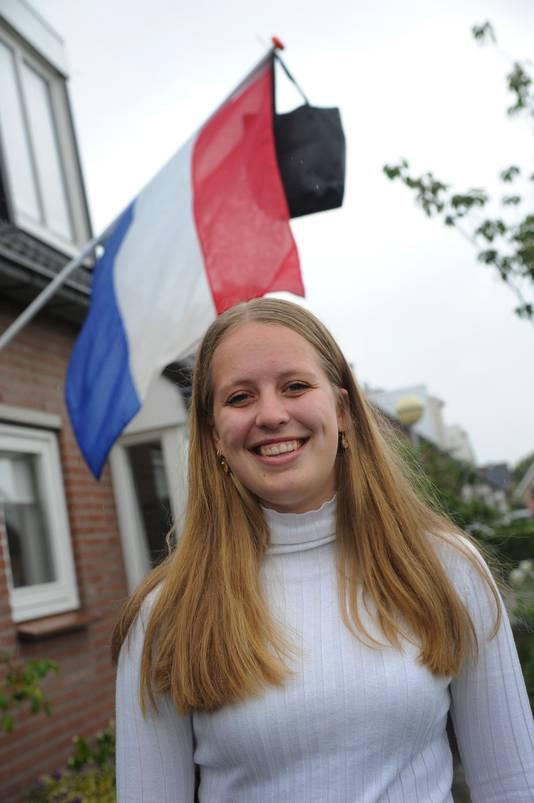 Daphne de Rijke uit Zoutelande zakte vorig jaar, maar is nu wel geslaagd.