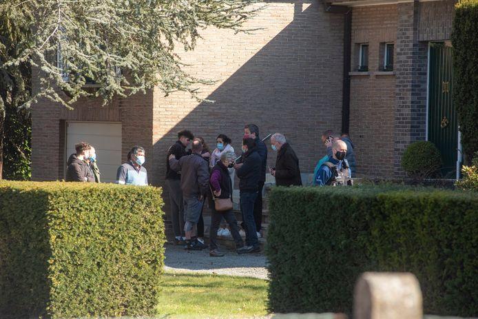 De bewoners werden door de buren opgevangen
