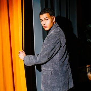 De Nederlandse acteur Bilal Wahib (21) gaat de wereld veroveren. Om te beginnen bestormt hij Berlijn