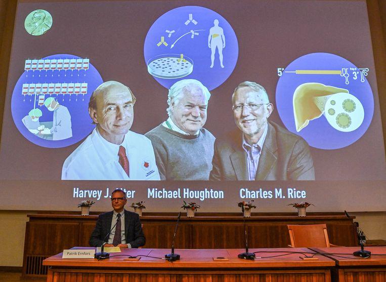 Harvey Alter, Michael Houghton en Charles Rice kregen deze week de Nobelprijs voor de geneeskunde toegekend. Beeld AFP