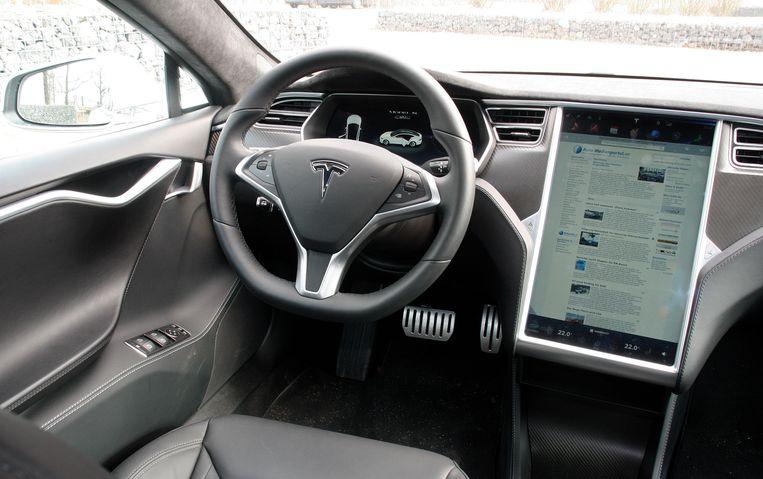Indrukwekkend: het grote touchscreen in de Tesla Model S.