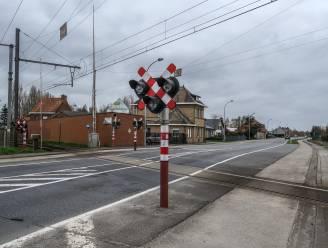 Spoor- en wegenwerken aan overweg Rijselseweg in Ieper