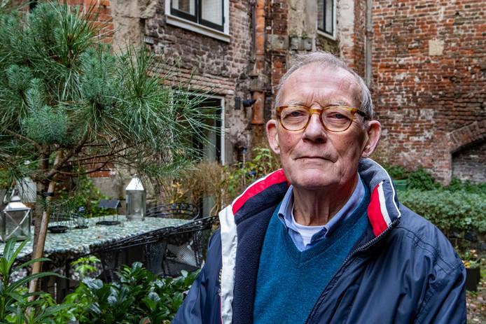Nico van Esmond, de zoon van verzetsstrijder Derk Smoes voor serie Het Laatste Oorlogsjaar. Smoes, vermoord in Neuengamme, was de leider van de Grote Bankroof in Almelo, vrijdag 75 jaar geleden.