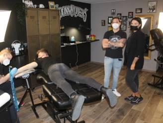 """Maanden gewacht, maar nu mag tattoo- en piercingstudio eindelijk open: """"Onze sector werkt al langer coronaproof"""""""
