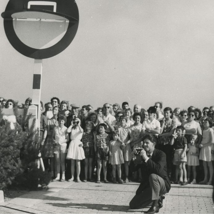 De officiële opening van een nieuwe weg tussen Eindhoven en Tilburg in 1961
