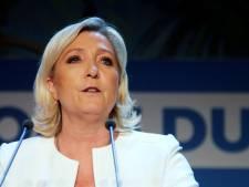 Des affiches de Marine Le Pen placardées sur différents panneaux citoyens à Namur
