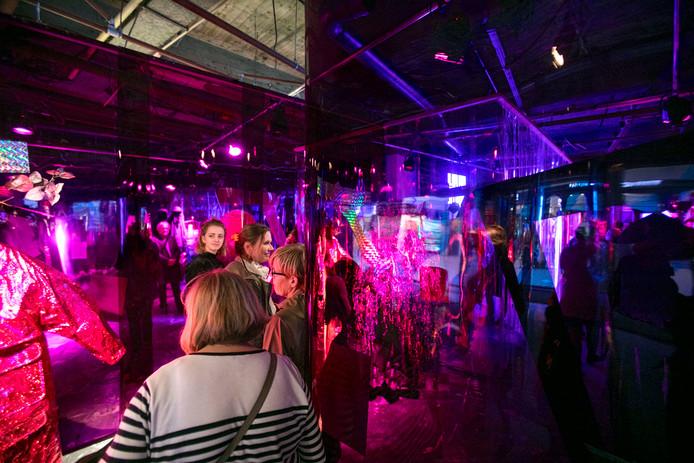 DDW Eindhoven in voormalige V&D modeshow van de modebelofte