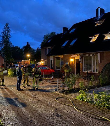 Woningbrand in Deventer: buurman schiet te hulp met tuinslang