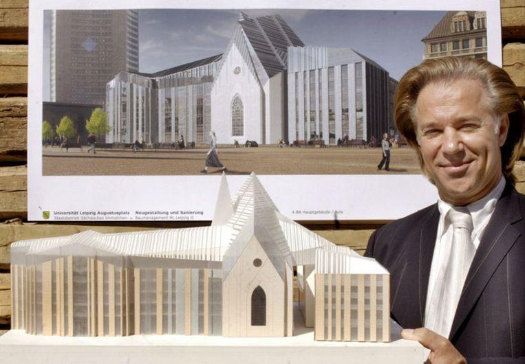 Erick van Egeraat in 2006 met een winnend ontwerp voor de renovatie van een universiteitsgebouw in Leipzig. Het architectenbureau van Van Egeraat is ten onder gegaan aan de kredietcrisis. Foto EPA Beeld