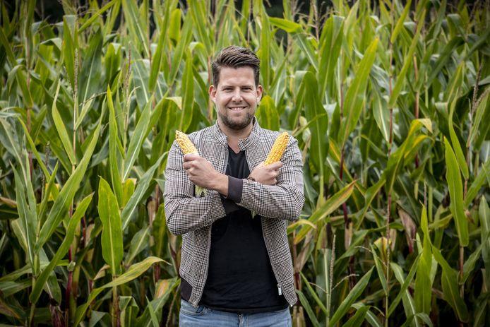 Joost Dijkgraaf is terug voor het tweede seizoen van Joost Zoekt het Uit. Waarom maken we hier niet onze eigen mais?