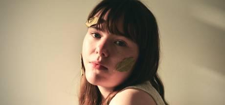 Roosendaalse zangeres Liza Weald durft alsmaar meer: 'Mijn teksten zijn nu meer in your face'