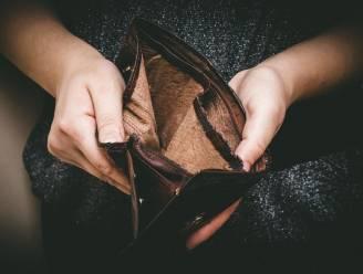 """Verzet tegen controles op financieel kwetsbare ouderen: """"Plaats hen niet opnieuw onder huisarrest"""""""