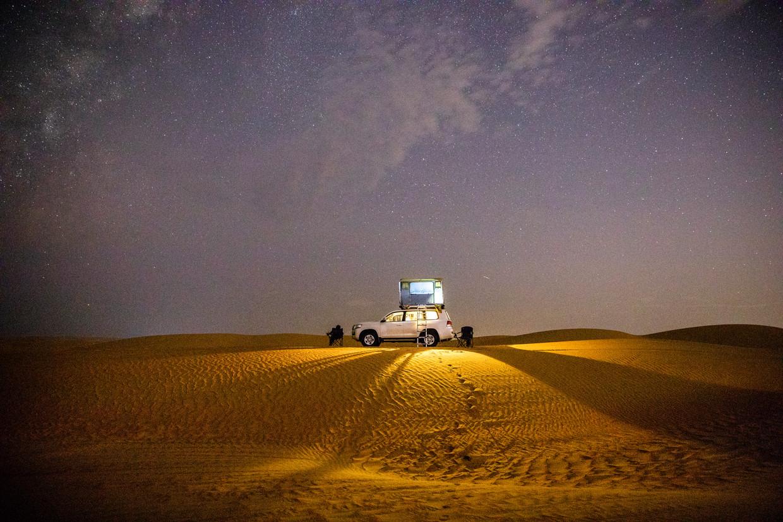 Slapen onder de sterren in Wahiba Sands. Beeld Marie Wanders