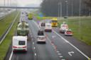 Tientallen automobilisten negeren de afzetting van Rijkswaterstraat.