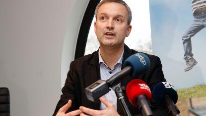 """Zelzate krijgt eerste PVDA-schepen in België, huidig burgemeester scherp: """"Zwarte dag voor Zelzate en België"""""""