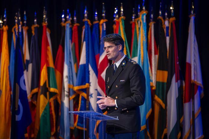 Erik Akerboom spreekt tijdens de conferentie