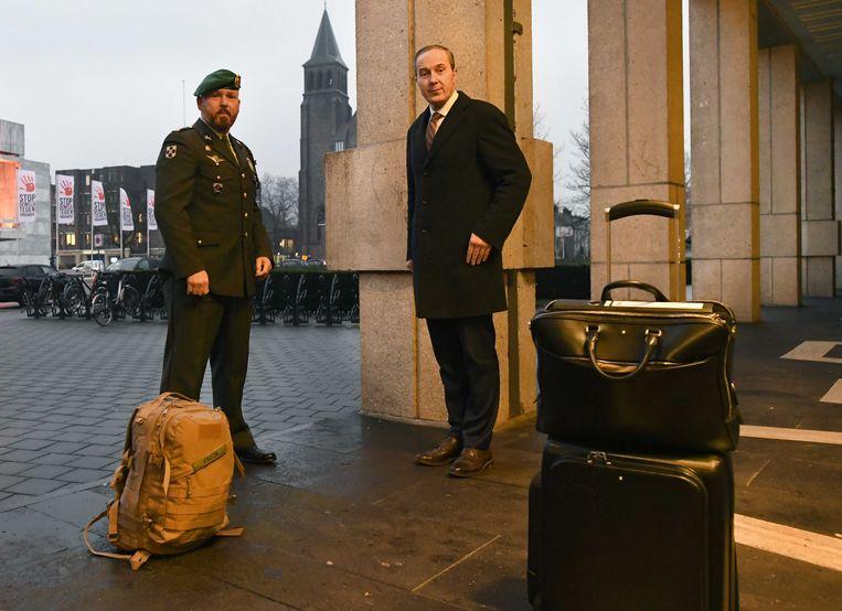 Marco Kroon en advocaat Geert-Jan Knoops. Beeld ANP