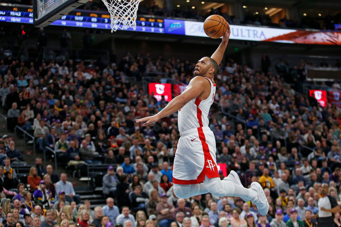 Houston Rockets-guard Eric Gordon met een vlammende dunk.