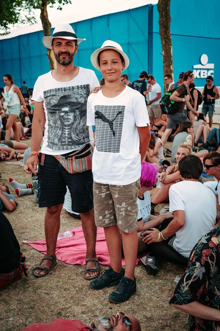 Julien en Matei komen vanuit Boekarest naar Rock Werchter. Beeld Illias Teirlinck