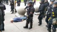 57 agenten uit Buffalo, NY stappen op uit solidariteit met collega's die werden geschorst omdat ze oudere man tegen grond duwden