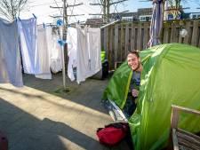 'Daklozen Hoeksche Waard moeten op eigen eiland worden opvangen'