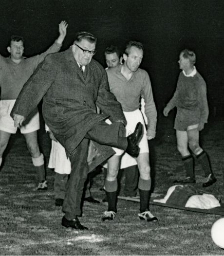 Wie won in Eindhoven de voetbalwedstrijd tussen pers en BN'ers in 1962?