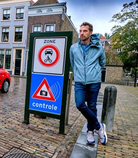 Extra bord moet bestuurders wijzen op camera's in 'verboden zone' Dordt: 'Overlast van auto's is groot'
